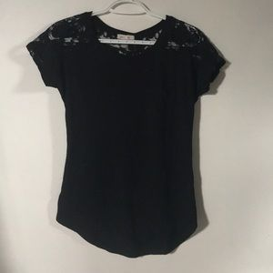 Women's Lacey T-shirt